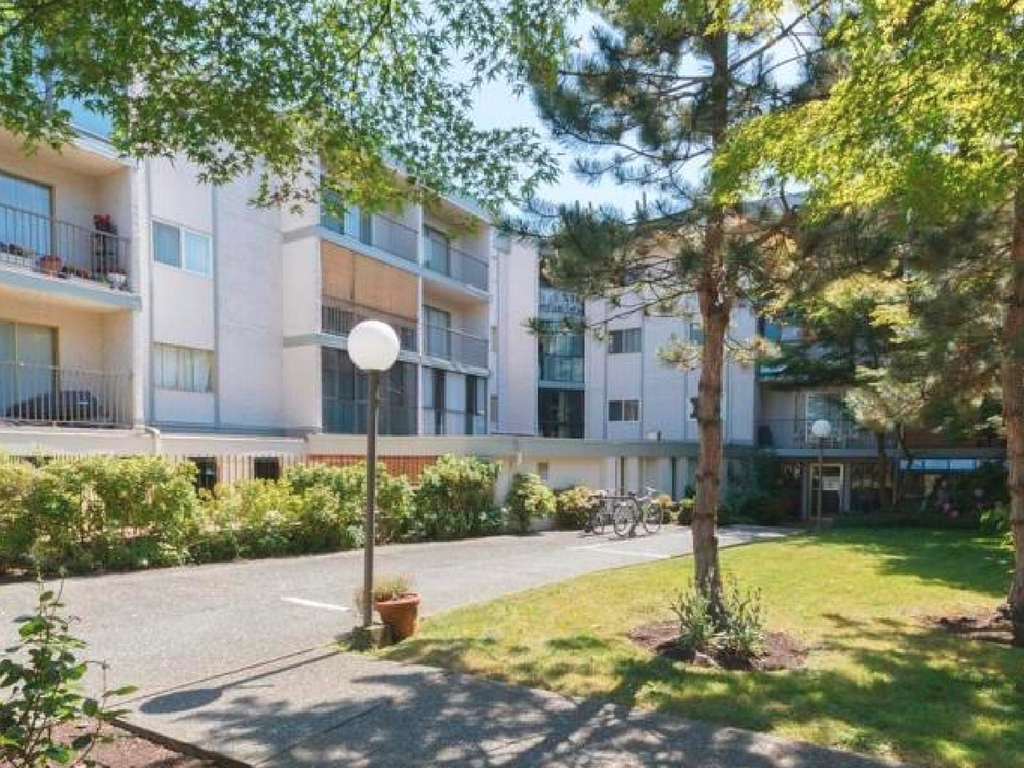 Main Photo: 317 3225 Eldon Place in VICTORIA: SW Rudd Park Condo Apartment for sale (Saanich West)  : MLS® # 376426