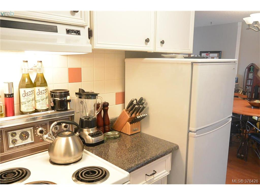 Photo 6: 317 3225 Eldon Place in VICTORIA: SW Rudd Park Condo Apartment for sale (Saanich West)  : MLS(r) # 376426