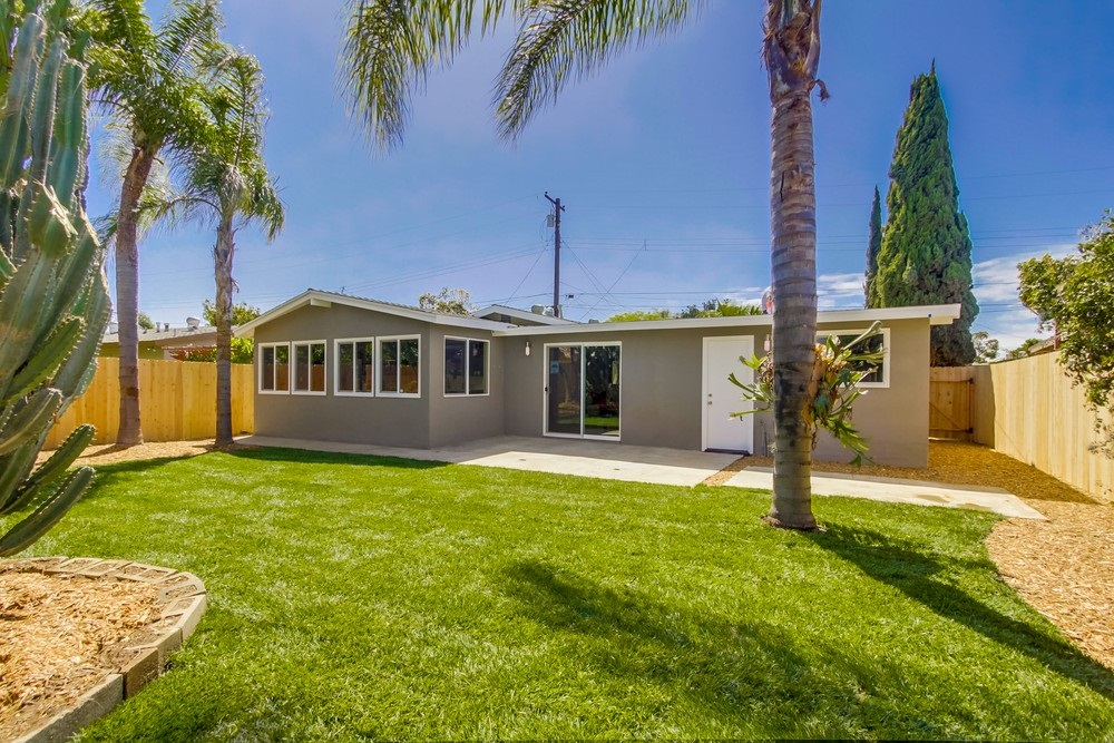 Main Photo: SAN DIEGO House for sale : 3 bedrooms : 3761 Mount Abraham