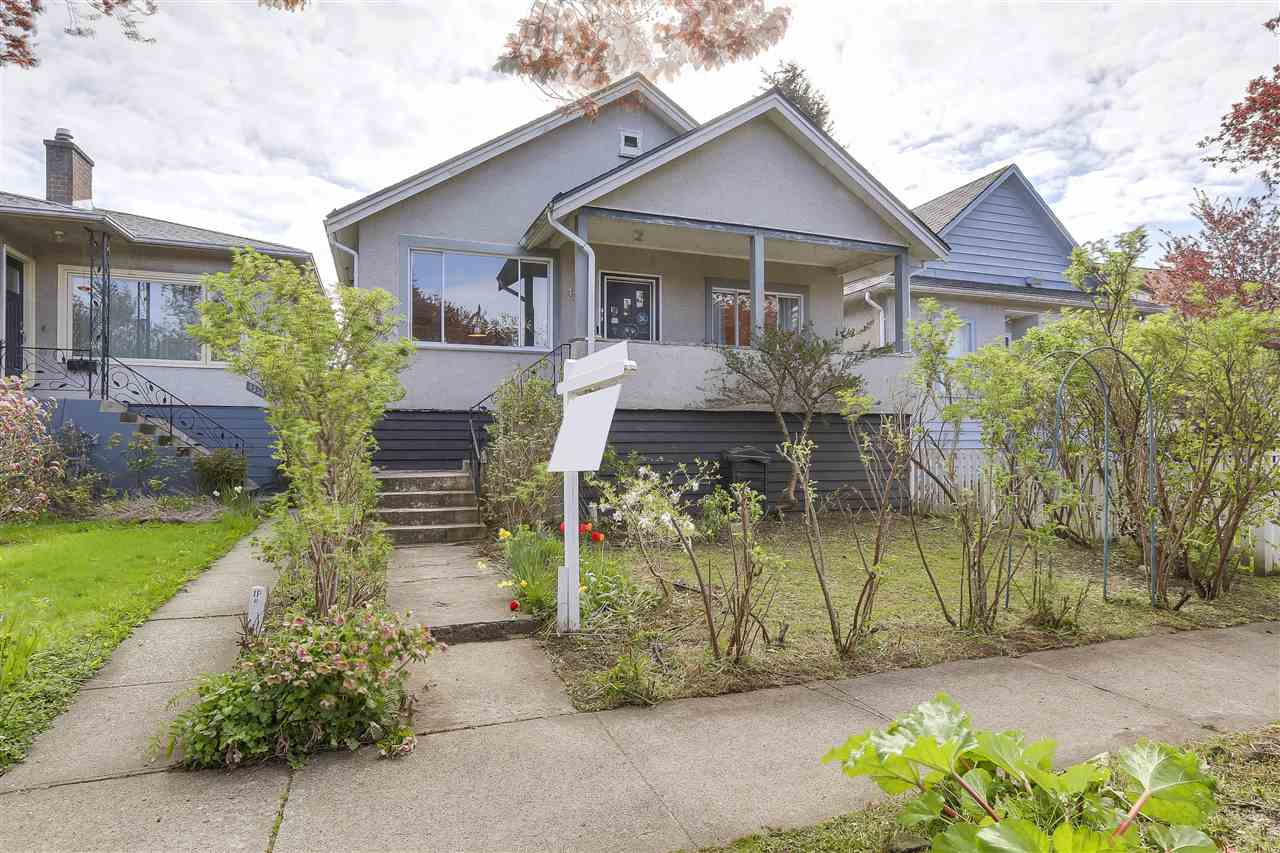 Main Photo: 4364 PRINCE ALBERT Street in Vancouver: Fraser VE House for sale (Vancouver East)  : MLS® # R2159879