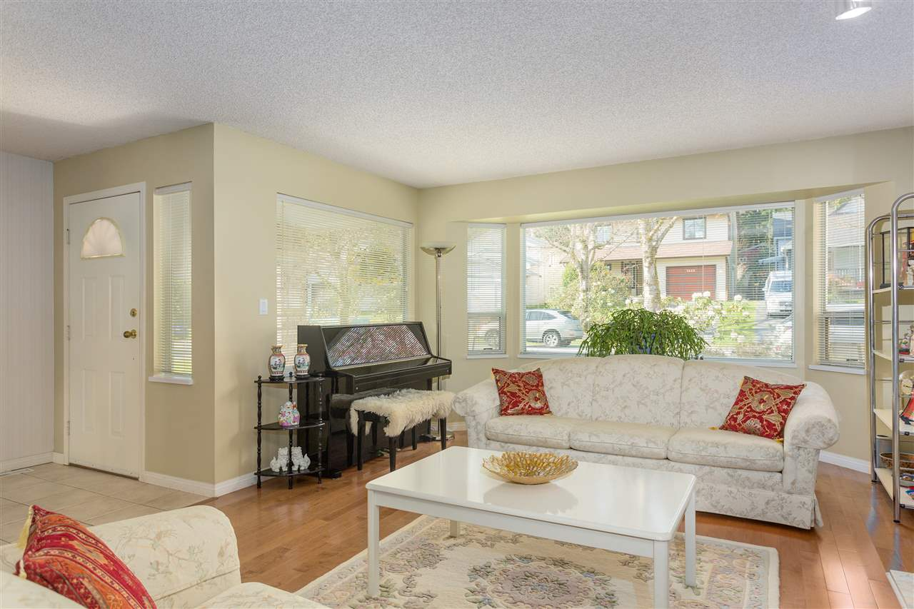 Photo 5: 3445 MANNING Place in North Vancouver: Roche Point House for sale : MLS® # R2161710