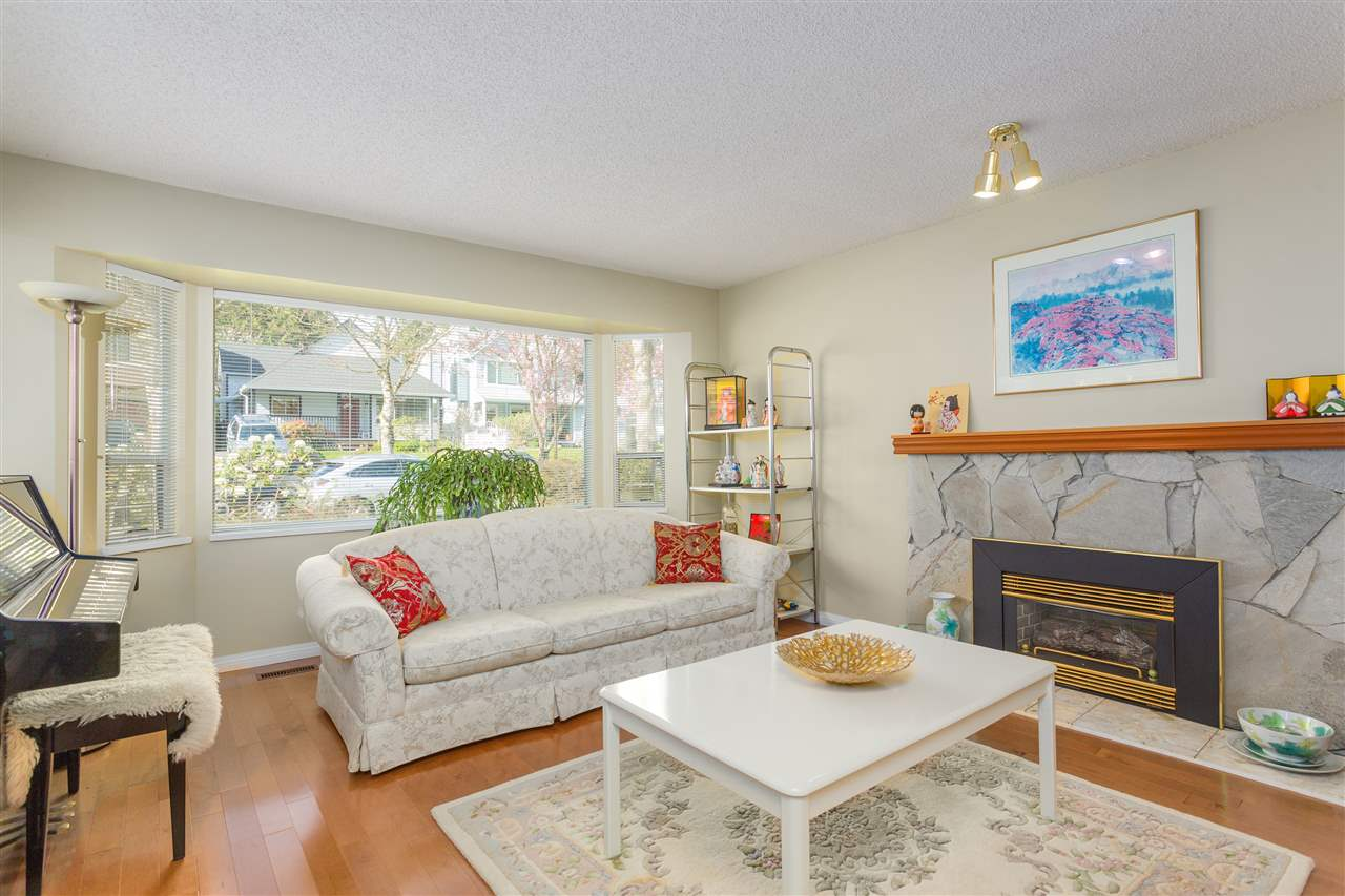 Photo 2: 3445 MANNING Place in North Vancouver: Roche Point House for sale : MLS® # R2161710