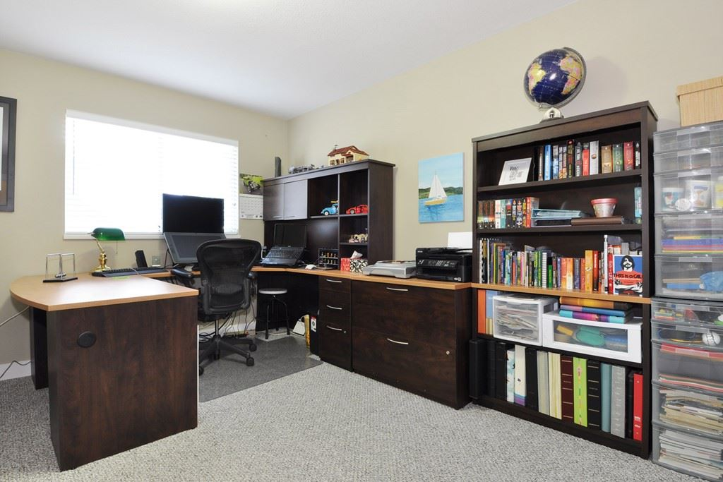Photo 11: 3930 ROBIN Place in Port Coquitlam: Oxford Heights House for sale : MLS® # R2168956