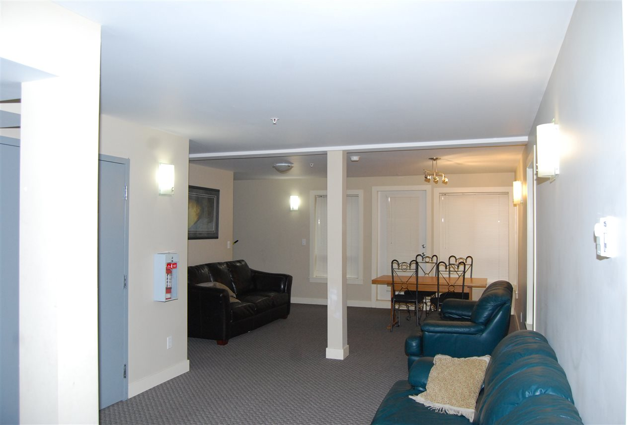 "Photo 11: 104 2228 WELCHER Avenue in Port Coquitlam: Central Pt Coquitlam Condo for sale in ""STATION HILL"" : MLS® # R2178613"
