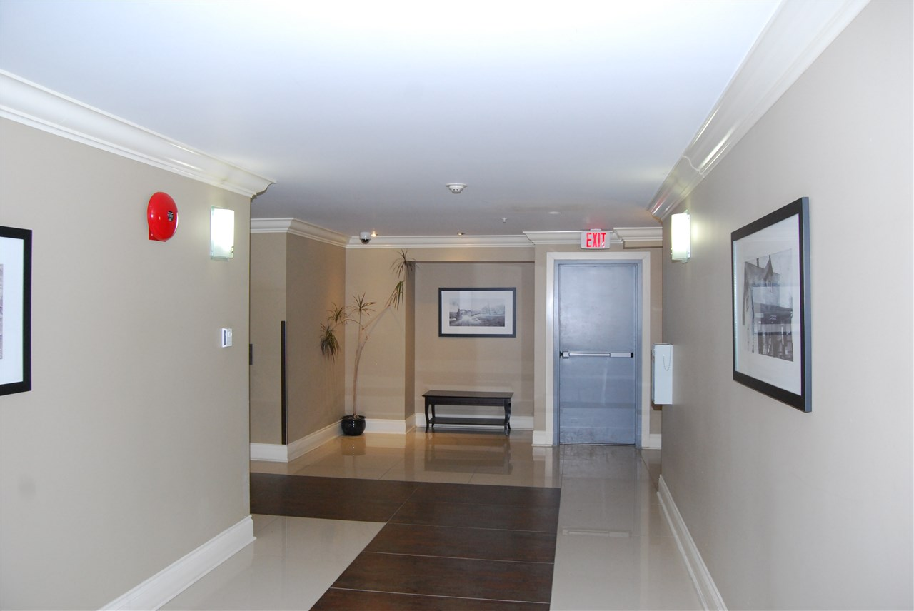 "Photo 10: 104 2228 WELCHER Avenue in Port Coquitlam: Central Pt Coquitlam Condo for sale in ""STATION HILL"" : MLS® # R2178613"