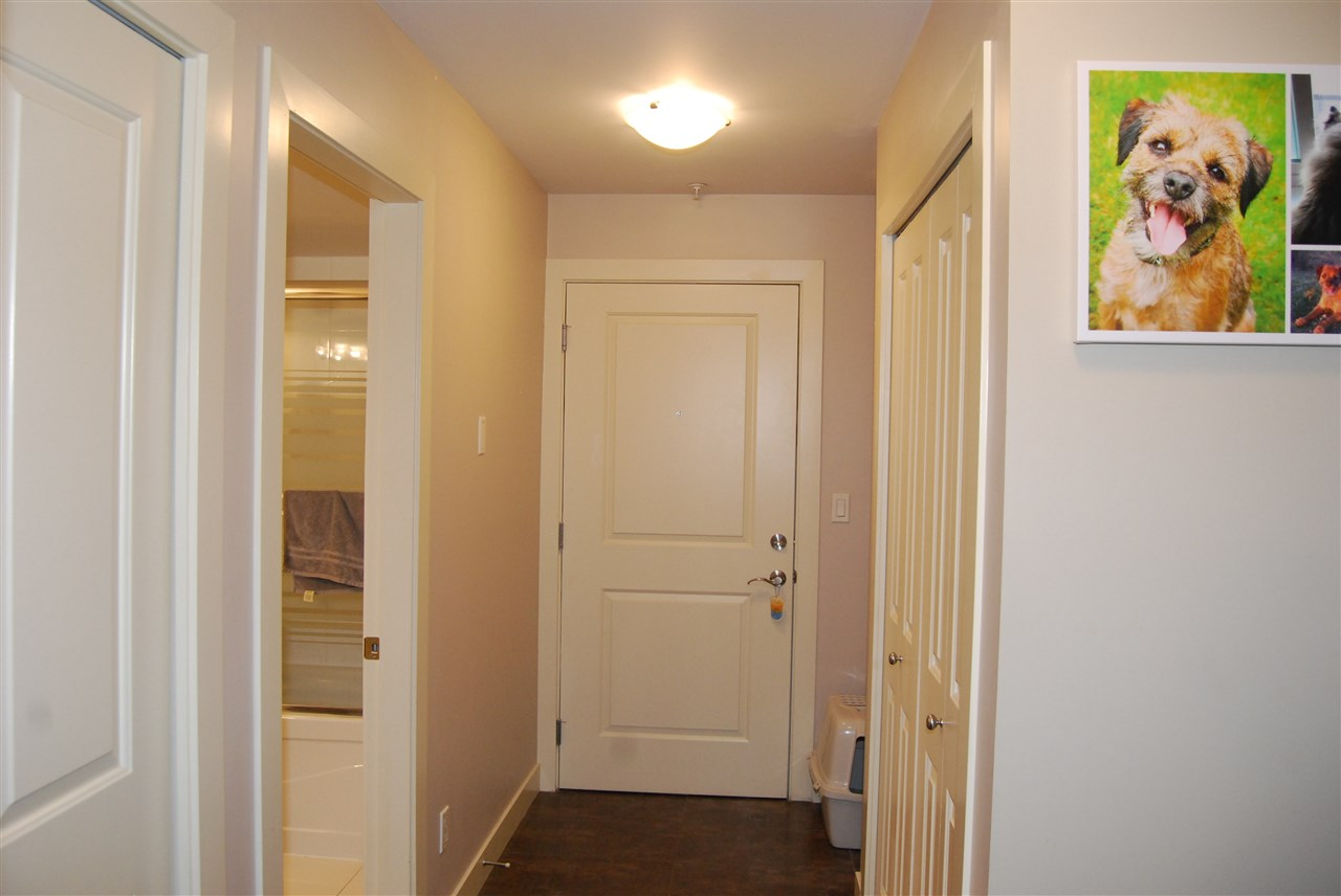 "Photo 9: 104 2228 WELCHER Avenue in Port Coquitlam: Central Pt Coquitlam Condo for sale in ""STATION HILL"" : MLS® # R2178613"