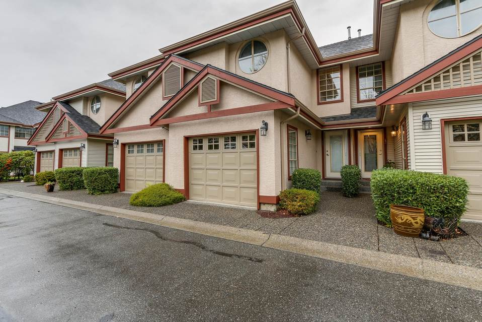 "Main Photo: 12 8855 212 Street in Langley: Walnut Grove Townhouse for sale in ""Golden Ridge"" : MLS(r) # R2187629"