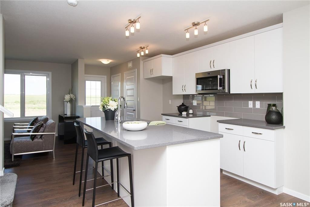 Photo 2: 351 Delainey Manor in Saskatoon: Brighton Residential for sale : MLS® # SK617164