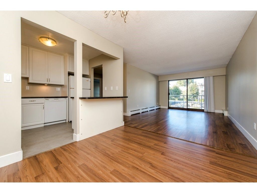 "Photo 7: Photos: 211 32870 GEORGE FERGUSON Way in Abbotsford: Central Abbotsford Condo for sale in ""Abbotsford Place"" : MLS® # R2212123"