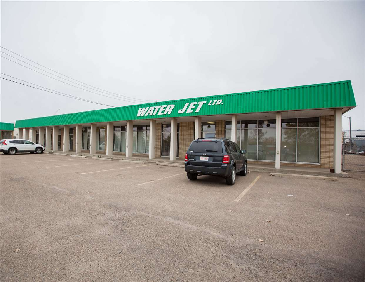 Main Photo: 8111 WAGNER Road in Edmonton: Zone 41 Industrial for sale : MLS® # E4085879