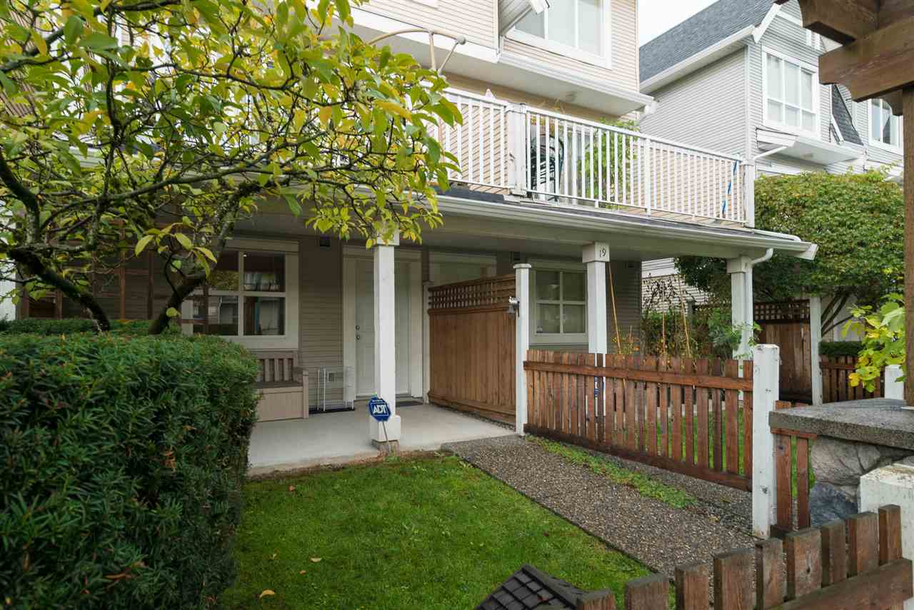 "Photo 20: Photos: 18 6415 197 Street in Langley: Willoughby Heights Townhouse for sale in ""LOGAN'S REACH"" : MLS® # R2216084"