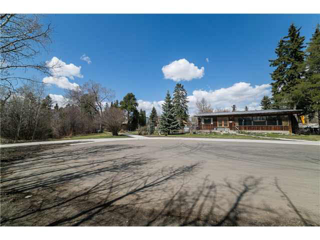Main Photo: 14304 Ravine Drive NW in Edmonton: Grovenor House for sale : MLS® # E3373031