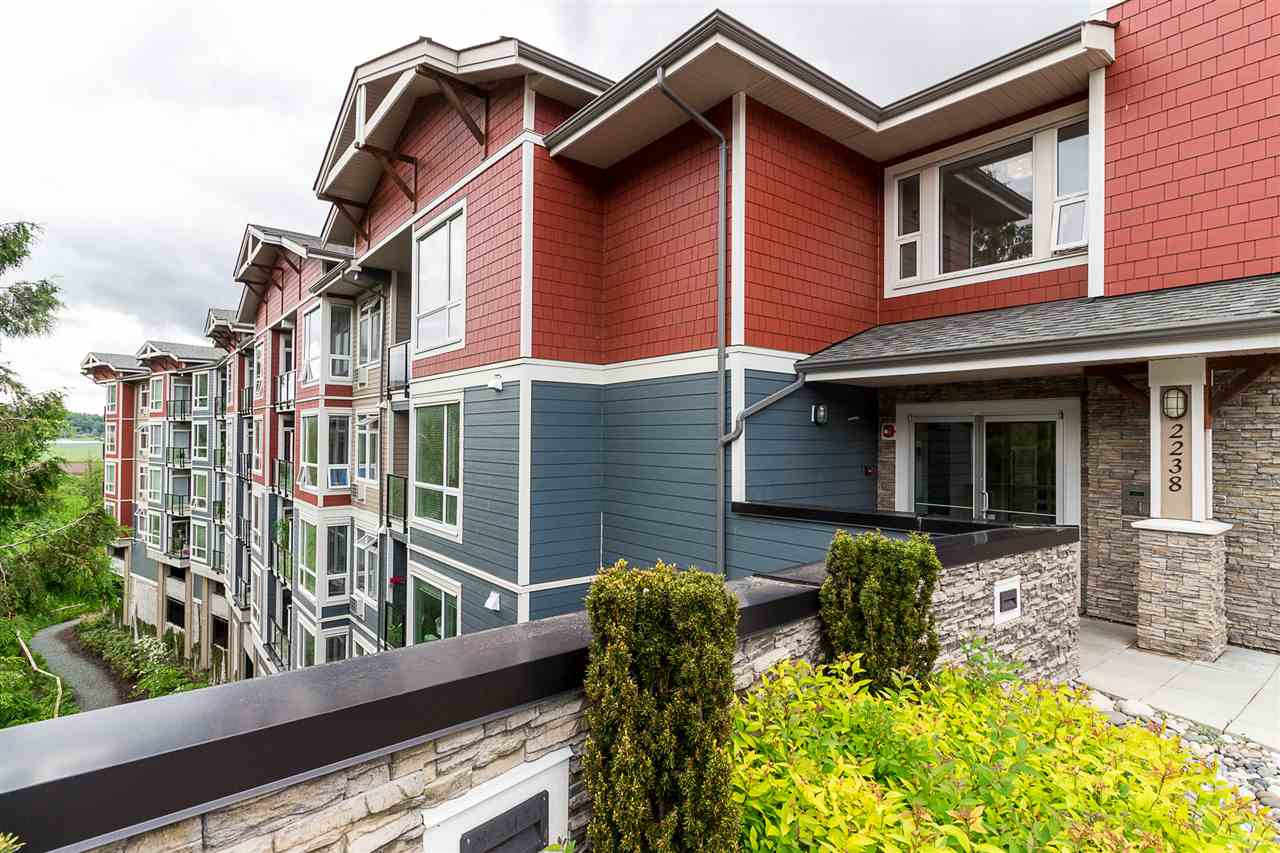 "Main Photo: 201 2238 WHATCOM Road in Abbotsford: Abbotsford East Condo for sale in ""Waterleaf"" : MLS®# R2269080"