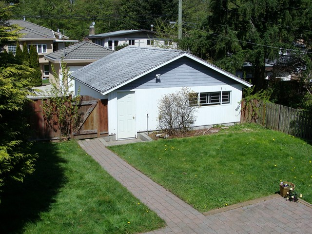 Photo 10: 8049 18TH Avenue in Burnaby: East Burnaby House for sale (Burnaby East)  : MLS(r) # V1003341