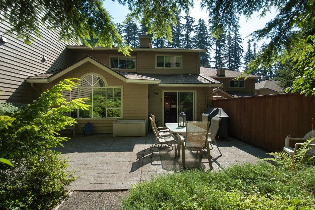 Photo 19: 45 DEERWOOD PL in Port Moody: Heritage Mountain Townhouse for sale : MLS(r) # V1018348