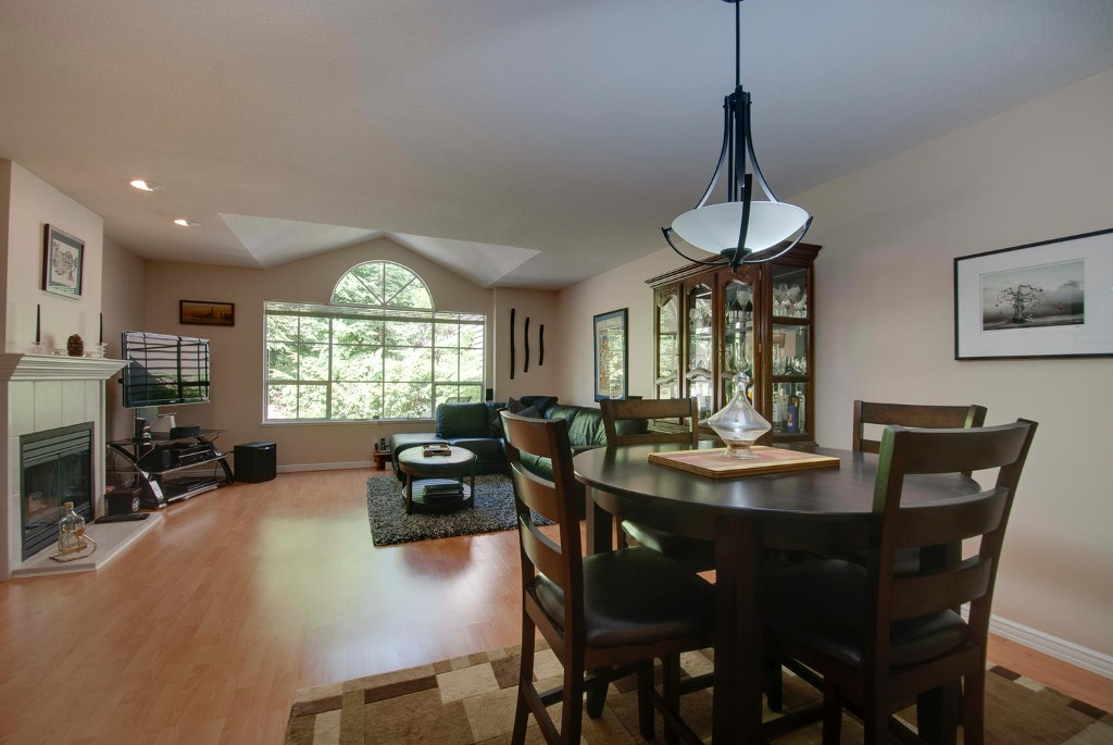 Photo 3: 45 DEERWOOD PL in Port Moody: Heritage Mountain Townhouse for sale : MLS(r) # V1018348
