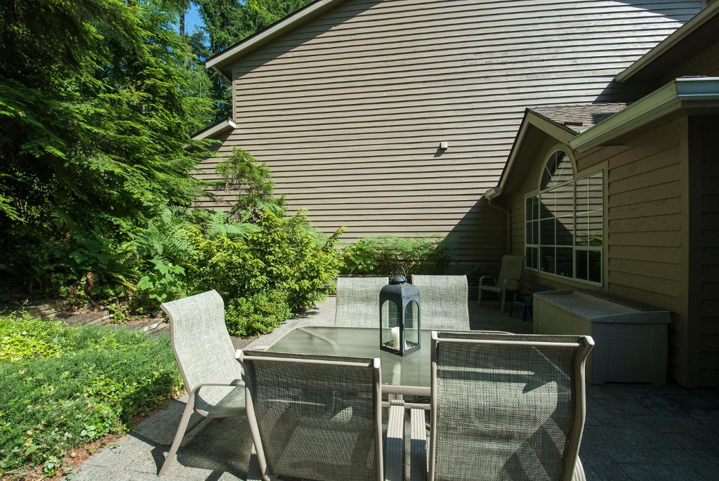 Photo 17: 45 DEERWOOD PL in Port Moody: Heritage Mountain Townhouse for sale : MLS(r) # V1018348