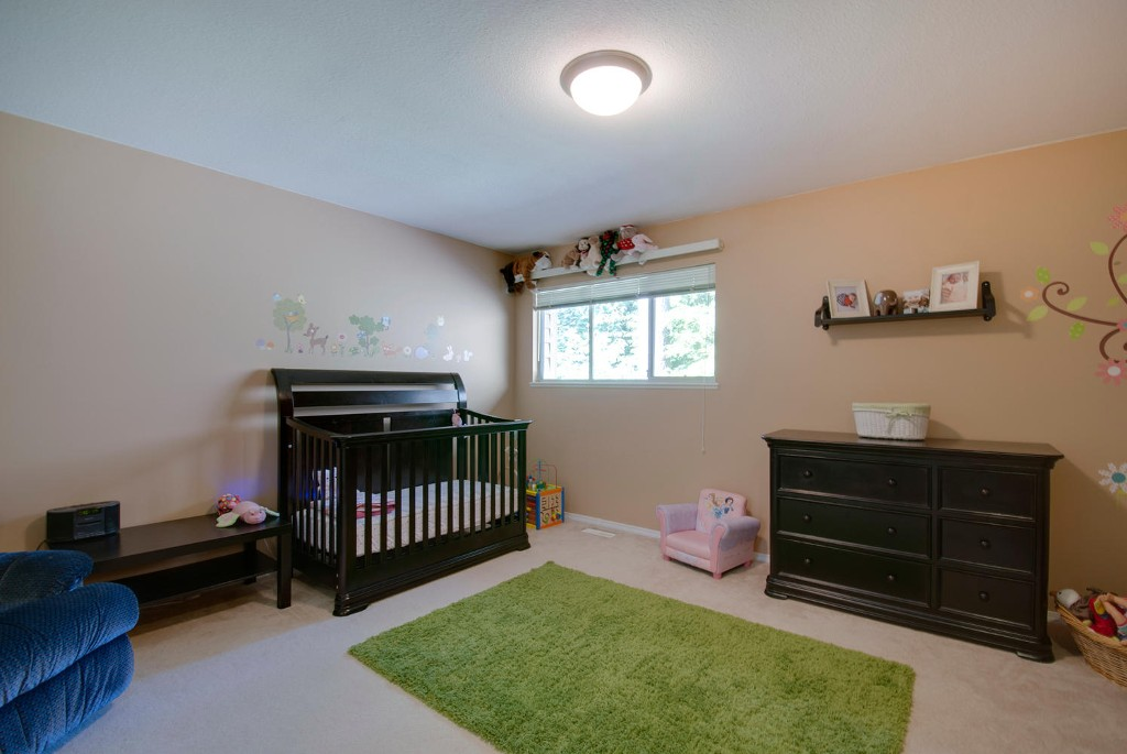 Photo 12: 45 DEERWOOD PL in Port Moody: Heritage Mountain Townhouse for sale : MLS(r) # V1018348