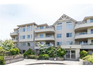 Main Photo: 403 3700 Carey Road in VICTORIA: SW Gateway Condo Apartment for sale (Saanich West)  : MLS® # 338791