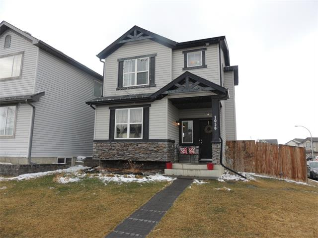 Main Photo: 1056 EVERRIDGE Drive SW in Calgary: Evergreen House for sale : MLS® # C4005156