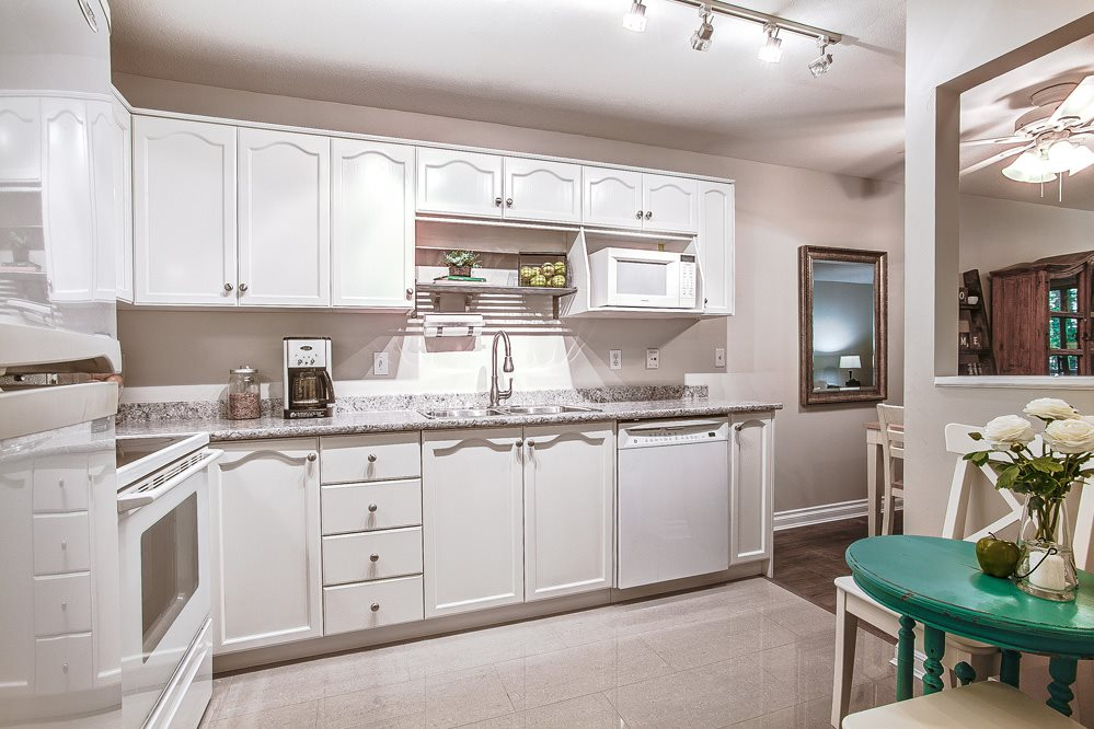 "Photo 2: 310 2615 JANE Street in Port Coquitlam: Central Pt Coquitlam Condo for sale in ""BURLEIGH GREEN"" : MLS(r) # R2077543"