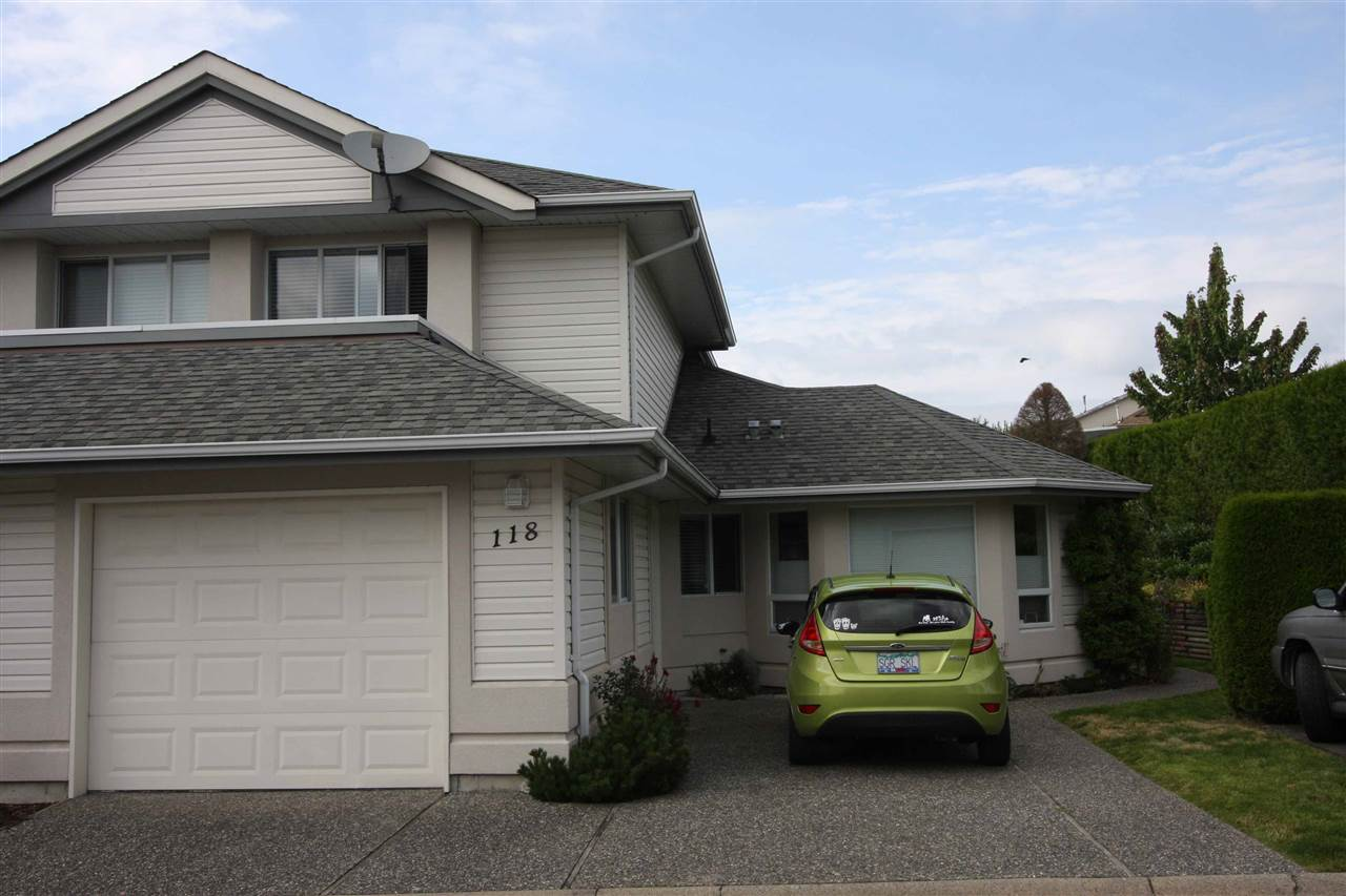 "Main Photo: 118 31406 UPPER MACLURE Road in Abbotsford: Abbotsford West Townhouse for sale in ""Estates of Ellwoods"" : MLS® # R2093329"
