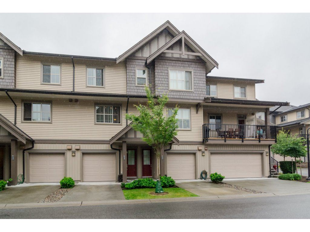 Main Photo: 44 9525 204 Street in Langley: Walnut Grove Townhouse for sale : MLS® # R2099662