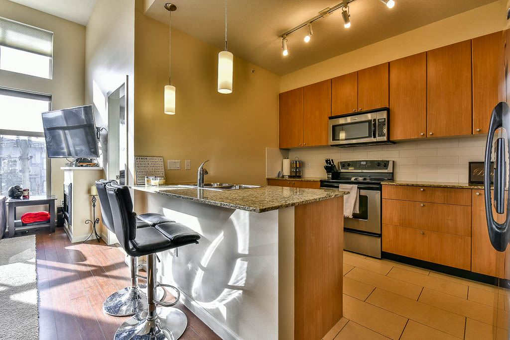 "Photo 4: 403 2477 KELLY Avenue in Port Coquitlam: Central Pt Coquitlam Condo for sale in ""SOUTH VERDE"" : MLS(r) # R2140951"