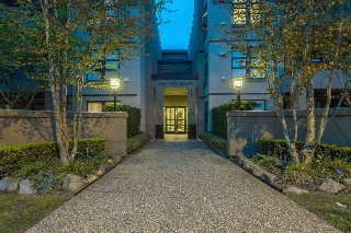 "Main Photo: 322 3769 W 7TH Avenue in Vancouver: Point Grey Condo for sale in ""MAYFAIR HOUSE"" (Vancouver West)  : MLS(r) # R2158482"