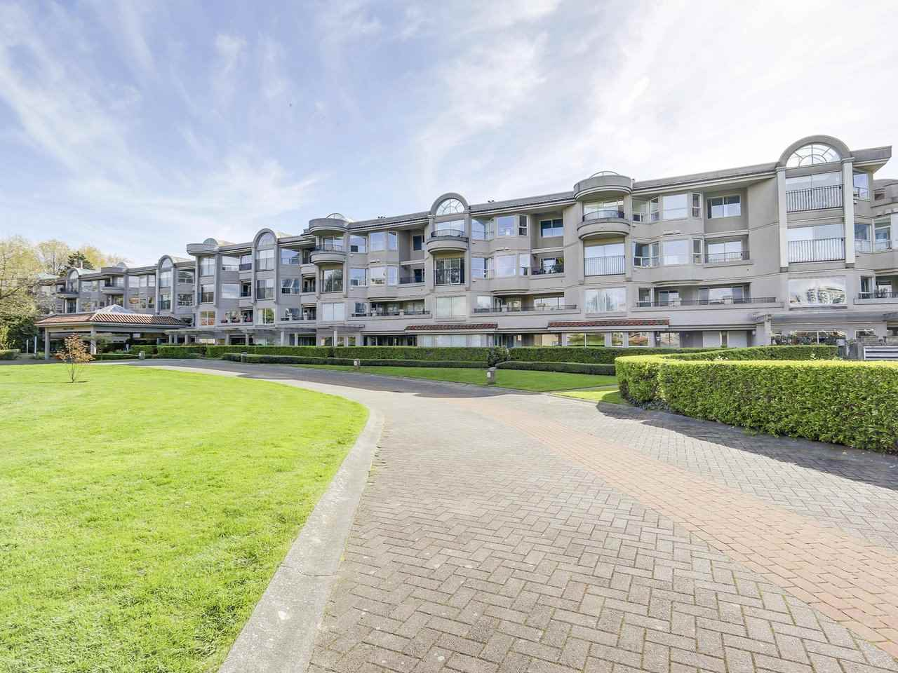 "Main Photo: 221 525 WHEELHOUSE Square in Vancouver: False Creek Condo for sale in ""Henley Court"" (Vancouver West)  : MLS® # R2163432"