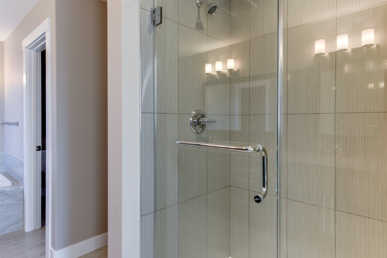 Shower with large granite shelf