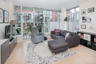 "Main Photo: 210 63 W 2ND Avenue in Vancouver: False Creek Condo for sale in ""Pinnacle Living False Creek"" (Vancouver West)  : MLS(r) # R2178633"