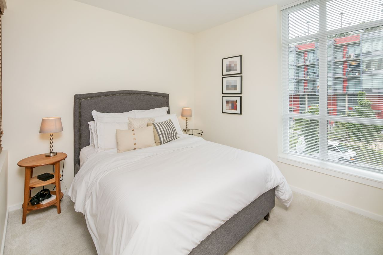 "Photo 8: 210 63 W 2ND Avenue in Vancouver: False Creek Condo for sale in ""Pinnacle Living False Creek"" (Vancouver West)  : MLS(r) # R2178633"