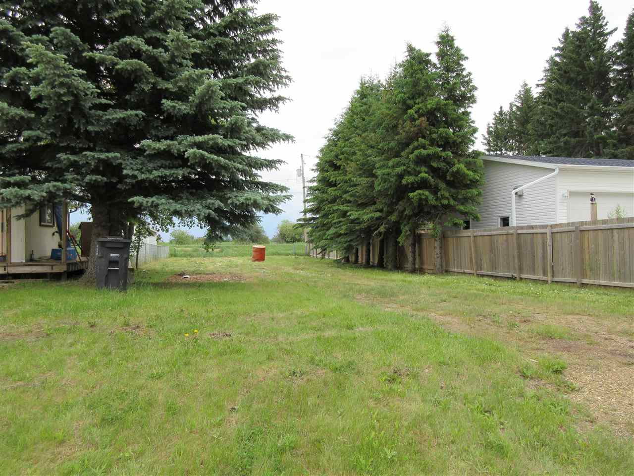 Main Photo: 913 1 Street: Thorhild Vacant Lot for sale : MLS® # E4069741