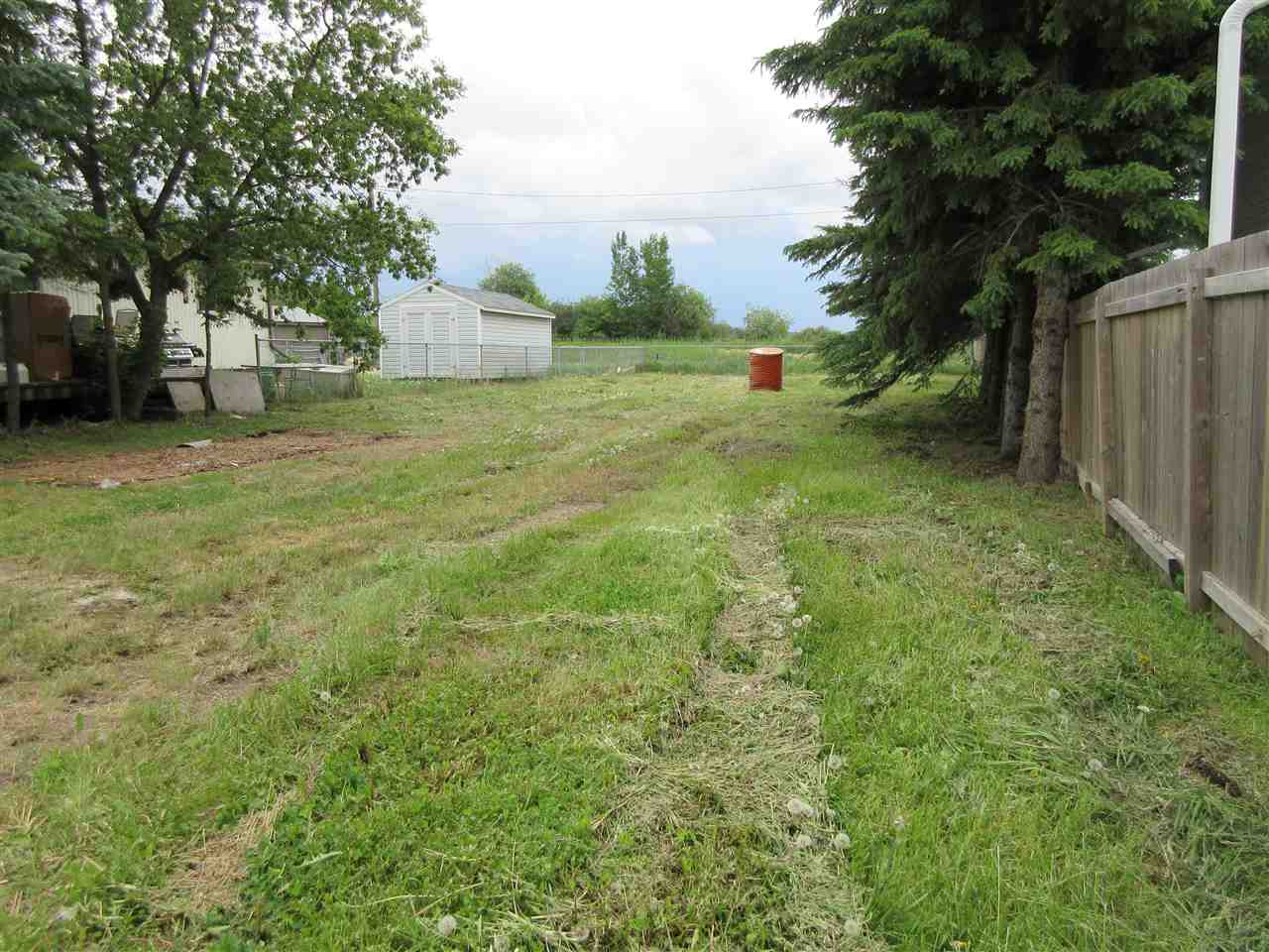 Photo 4: 913 1 Street: Thorhild Vacant Lot for sale : MLS® # E4069741