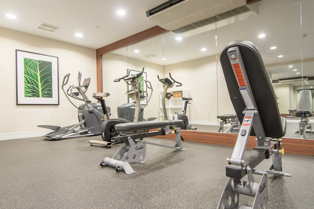"Photo 23: 420 608 COMO LAKE Avenue in Coquitlam: Coquitlam West Condo for sale in ""GEORGIA"" : MLS® # R2184913"