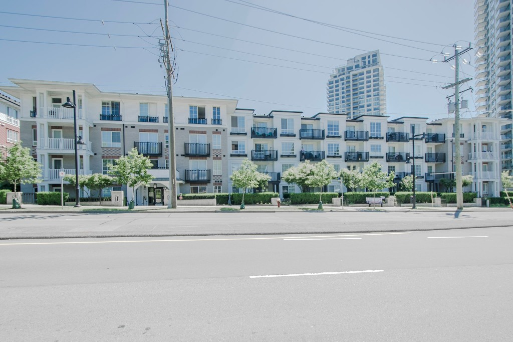 "Photo 34: 420 608 COMO LAKE Avenue in Coquitlam: Coquitlam West Condo for sale in ""GEORGIA"" : MLS® # R2184913"