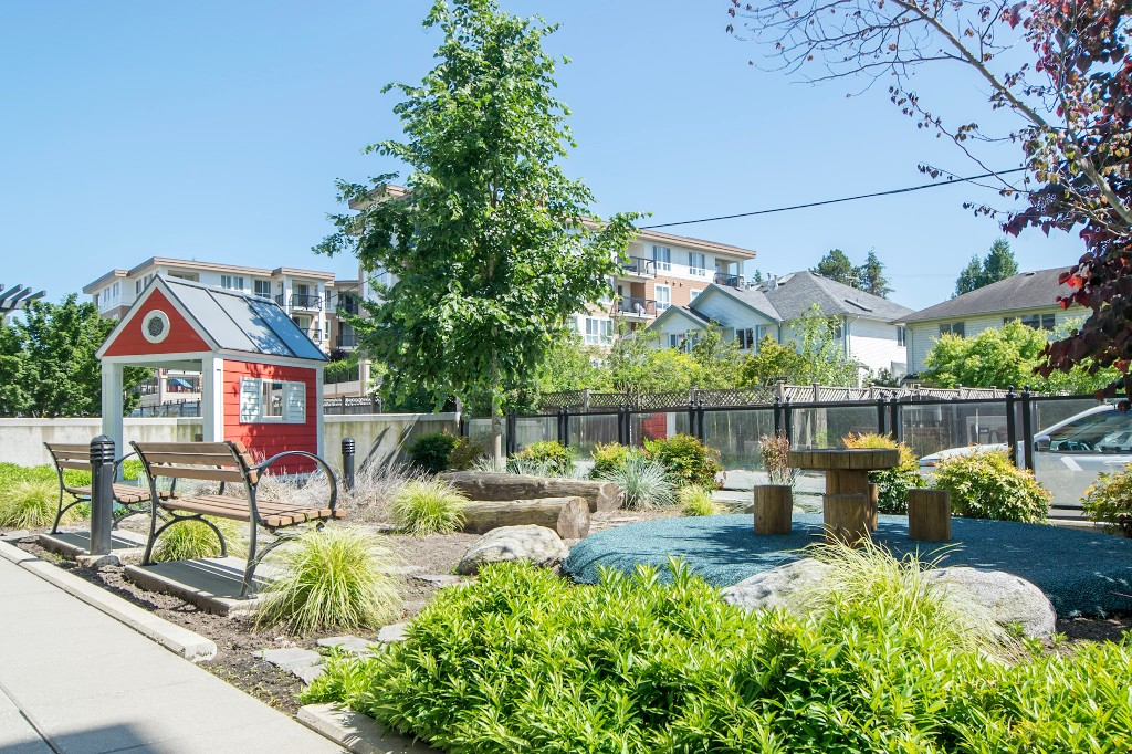 "Photo 35: 420 608 COMO LAKE Avenue in Coquitlam: Coquitlam West Condo for sale in ""GEORGIA"" : MLS® # R2184913"
