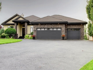 Main Photo: 609 52328 RR 233 Road: Rural Strathcona County House for sale : MLS® # E4080164