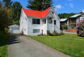 Main Photo: 456 GOWER POINT Road in Gibsons: Gibsons & Area House for sale (Sunshine Coast)  : MLS® # R2219506