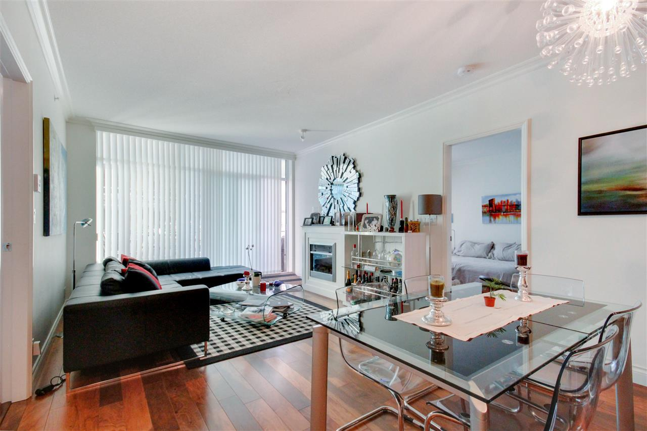"Photo 3: Photos: 505 172 VICTORY SHIP Way in North Vancouver: Lower Lonsdale Condo for sale in ""Atrium at the Pier"" : MLS® # R2223021"