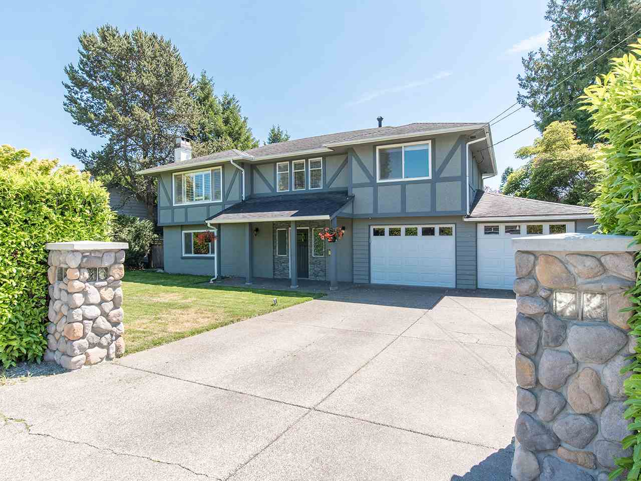 Main Photo: 5274 BELAIR CRESCENT in Delta: Cliff Drive House for sale (Tsawwassen)  : MLS® # R2200784