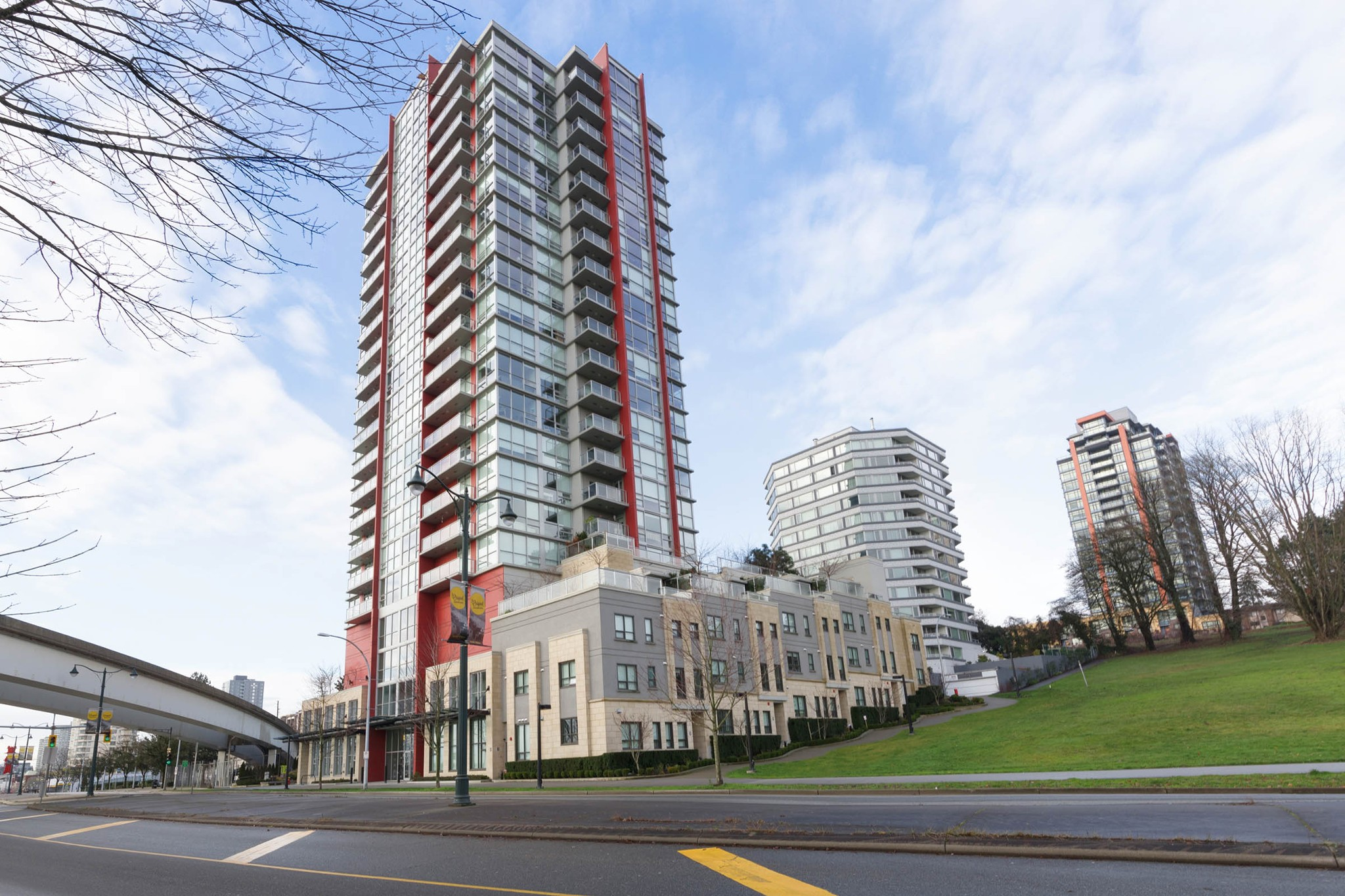 "Main Photo: 1101 125 COLUMBIA Street in New Westminster: Downtown NW Condo for sale in ""NORTHBANK"" : MLS® # R2231042"