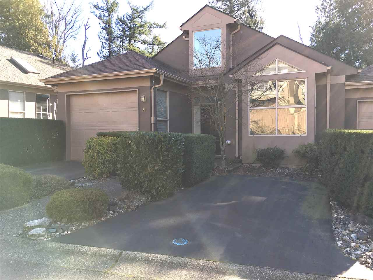 "Main Photo: 21 2058 WINFIELD Drive in Abbotsford: Abbotsford East Townhouse for sale in ""ROSE HILL"" : MLS®# R2241511"