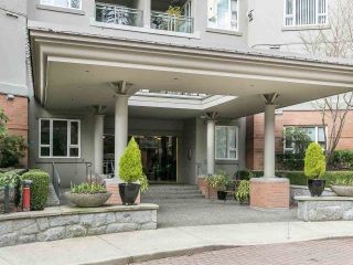 "Main Photo: 212 5683 HAMPTON Place in Vancouver: University VW Condo for sale in ""WYNDHAM HALL"" (Vancouver West)  : MLS® # R2242708"