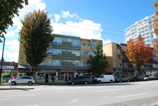 Main Photo: 213 2238 KINGSWAY in Vancouver: Victoria VE Condo for sale (Vancouver East)  : MLS®# R2307395