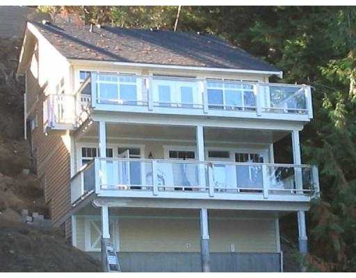 "Main Photo: 1510 TIDEVIEW RD in Gibsons: Gibsons & Area House for sale in ""LANGDALE"" (Sunshine Coast)  : MLS® # V559961"