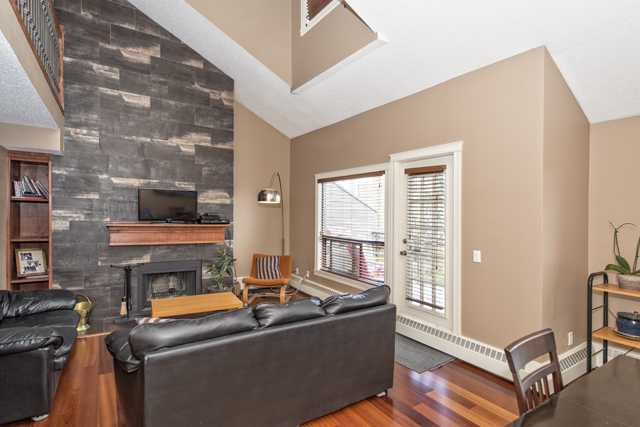 Photo 3: 402 1111 13 AVE SW in CALGARY: Connaught Condo  (Calgary)  : MLS® # C3620166