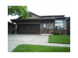 Main Photo: 387 SHAWNESSY Drive SW in Calgary: Shawnessy House for sale : MLS(r) # C3644459