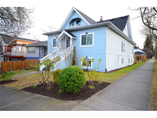 "Photo 2: 1306 E 18TH Avenue in Vancouver: Knight House for sale in ""Cedar Cottage 5-Plex"" (Vancouver East)  : MLS(r) # V1095673"